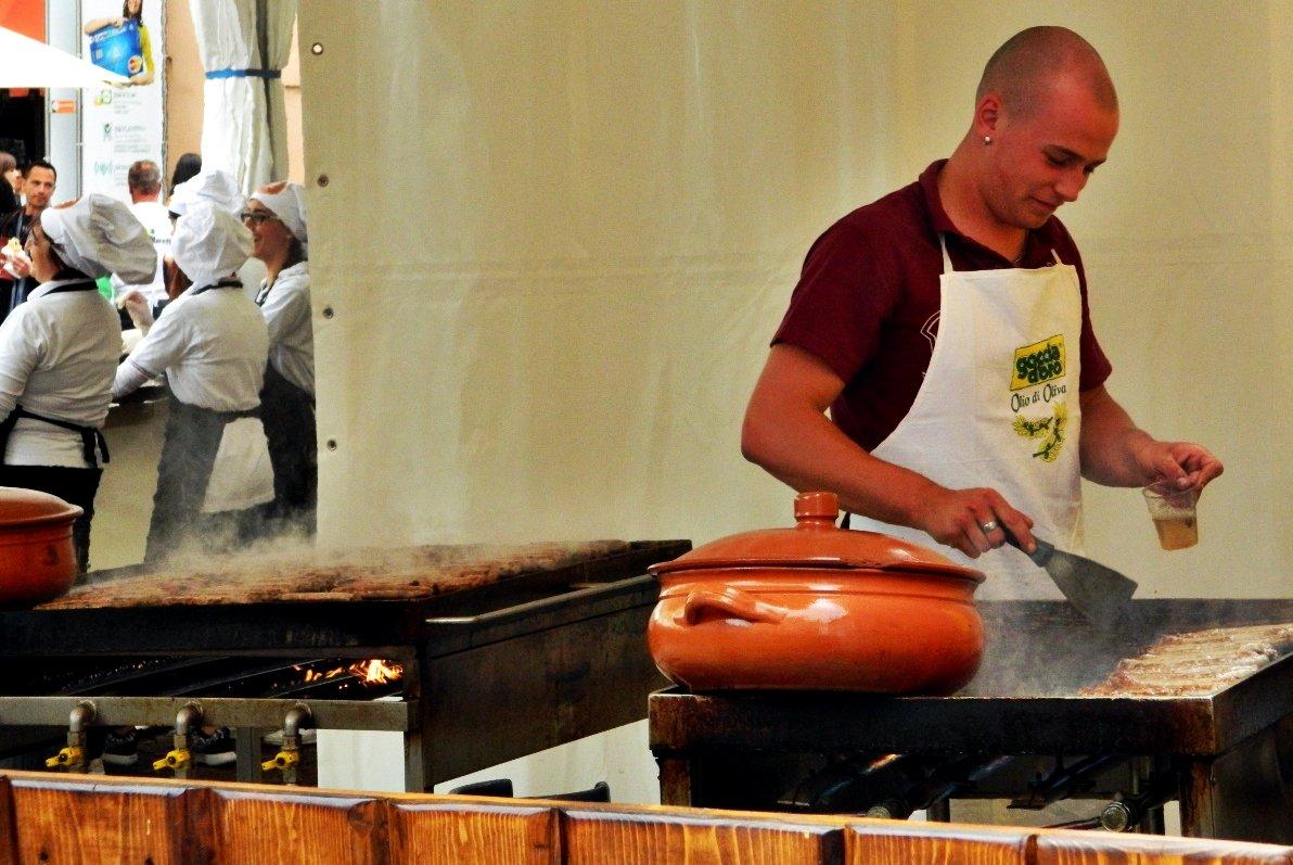 Salsicce_Street_Food_ëd_Langa_Vinum
