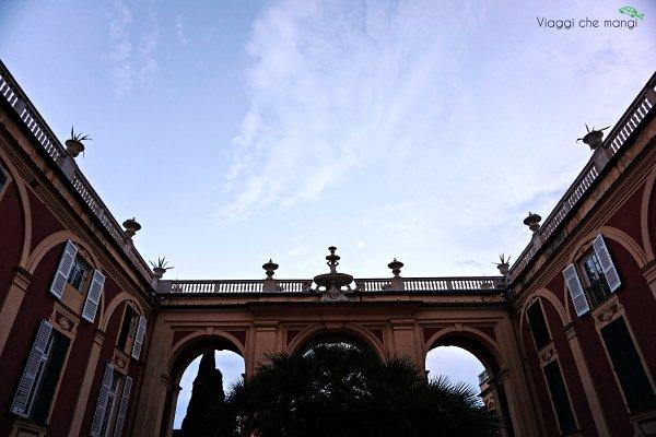 facciata del palazzo reale di genova.