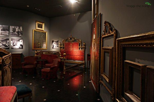mobili del percorso dietro le reali stanze di palazzo reale di genova