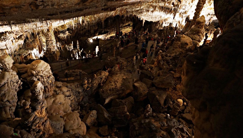 interno delle grotte di postumia: le grotte magiche della Slovenia