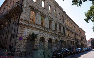 edifici distrutti a mostar.