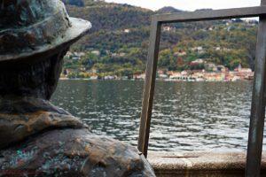 statua di bronzo di Karl-Heinz Schroth visitarte il lago d'orta giardini di villa bossi