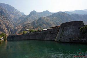 cosa vedere a kotor: le mura patrimonio unesco