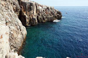 mare dell'isola di lokrum.
