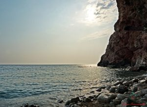 Tramonto su Pasjača Beach, una delle bellissime spiagge della Croazia.