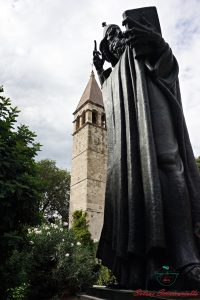 cosa vedere a spalato: la Statua di Grgur Ninski, Spalato.