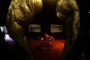 cosa vedere a figueres: la Stanza di Mae West, Teatro Museo Dalì.