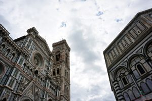 La faccia del Duomo di Firenze., uno dei luoghi dove è ambientato Inferno di Dan Brown