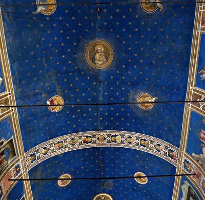 La volta della Cappella degli Scrovegn ia Padova è una delle cose da vedere a Padova.