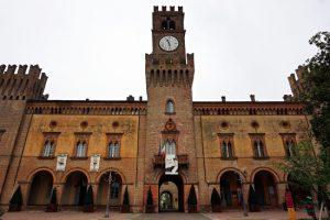 Cosa vedere a Parma e dintorni: La Rocca di Busseto, sede del Teatro Verdi..