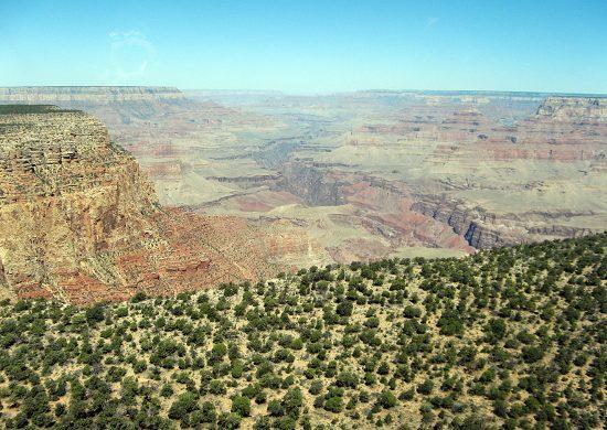 Il panorama del Grand Canyon dall'elicottero.