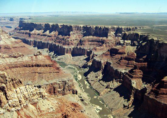 una delle 5 mete da brivido è il grand canyon e il volo in elicottero.
