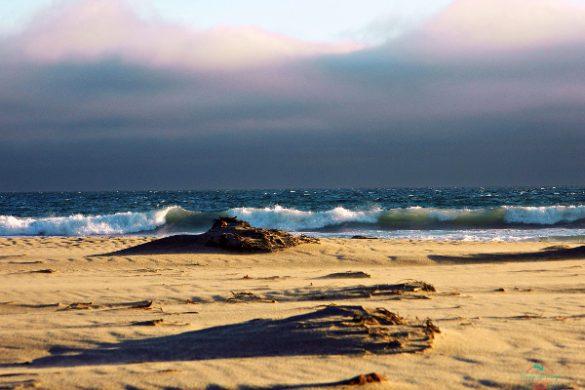 tra le foto più belle scattate in viaggio c'è questo tramonto su una spiaggia californiana.