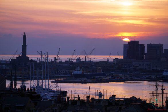 Genova dall'alto al tramonto dalla torre di palazzo lomellino.