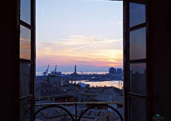 Panorama dalla finestra della Torre di Palazzo Lomellino, uno dei migliori punti panoramici di genova.
