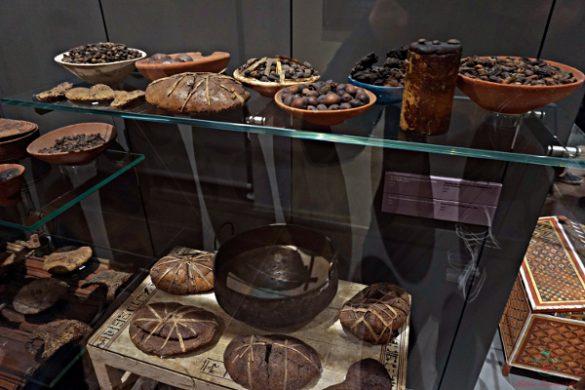 Cibo rinvenuto in una tomba egizia, Museo Egizio di Torino.