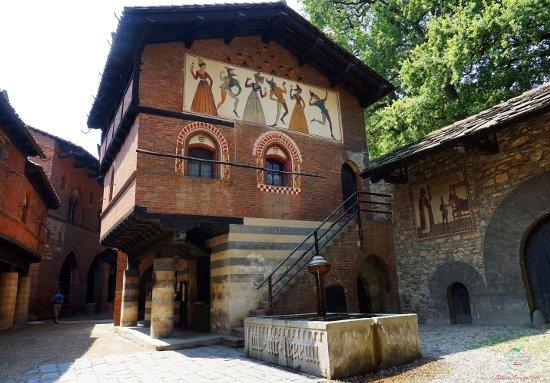 Il borgo medioevale nel Parco del Valentino di Torino.