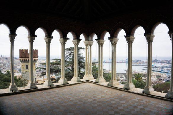 Loggiato della torre del Castello d'Albertis.