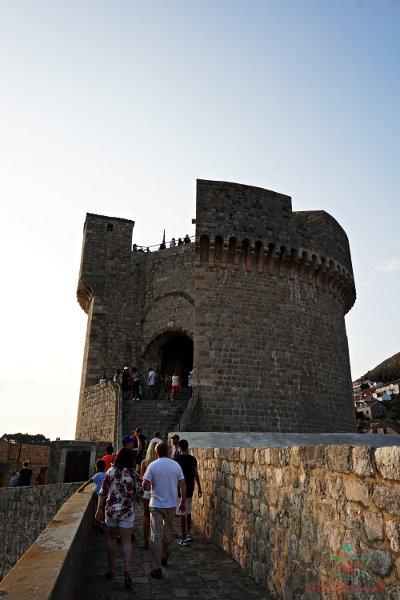 La Torre Minčeta a Dubrovnik è uno dei luoghi del trono di spade in croazia.