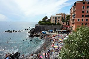 La spiaggia di Murcarolo è uno dei posti migliori dove andare al mare a Genova.