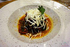 Al ristorante Mezza Pagnotta di RUvo di Pugli si può assaggiare il senapello, uno dei prodotti pugliesi delle murge.