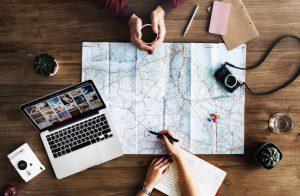 """Immagine di copertina del blog post """"7 modi di guadagnare viaggiando"""" del travel blog di selene scinicariello"""