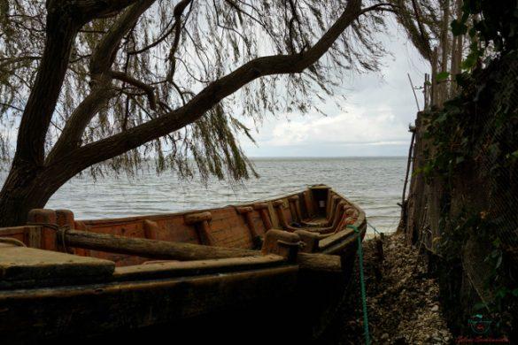 Gargano cosa vedere: il Lago di Varano.