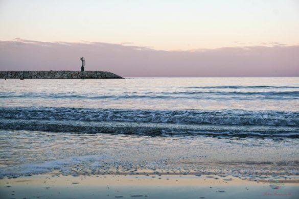 Pontile di Rodi Garganico dalla spiaggia.