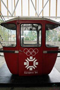 Vecchia cabina della žicara che porta alla pista da bob di Sarajevo.