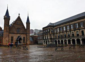 Il binnenhof, sede del Parlamento olandese a L'Aia.