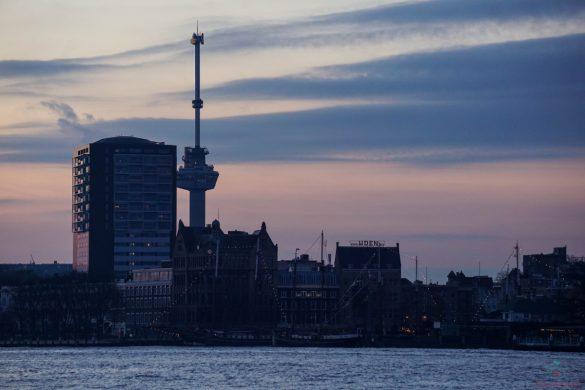 l'euromast di rotterdam è una delle attività da fare in olanda in iverno