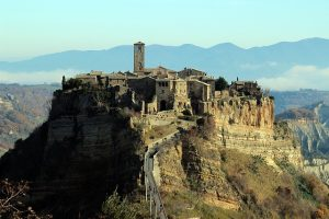 Dove andare in vacanza in primavera: Civita di Bagnoregio.