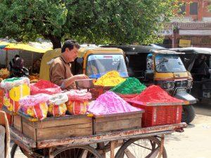 Colori per l'holi in India.