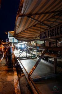Mercato del pesce di Gaeta: uno dei mercati italiani storici più belli.