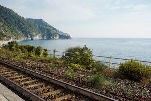 Visitare le cinque terre in treno.