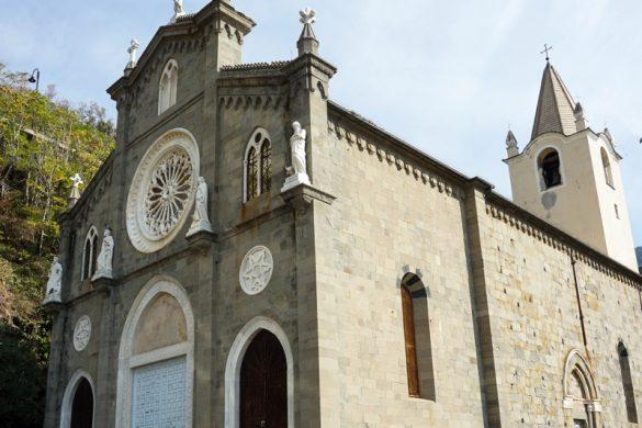 Esterno della Chiesa di San Giovanni Battista, Riomaggiore.