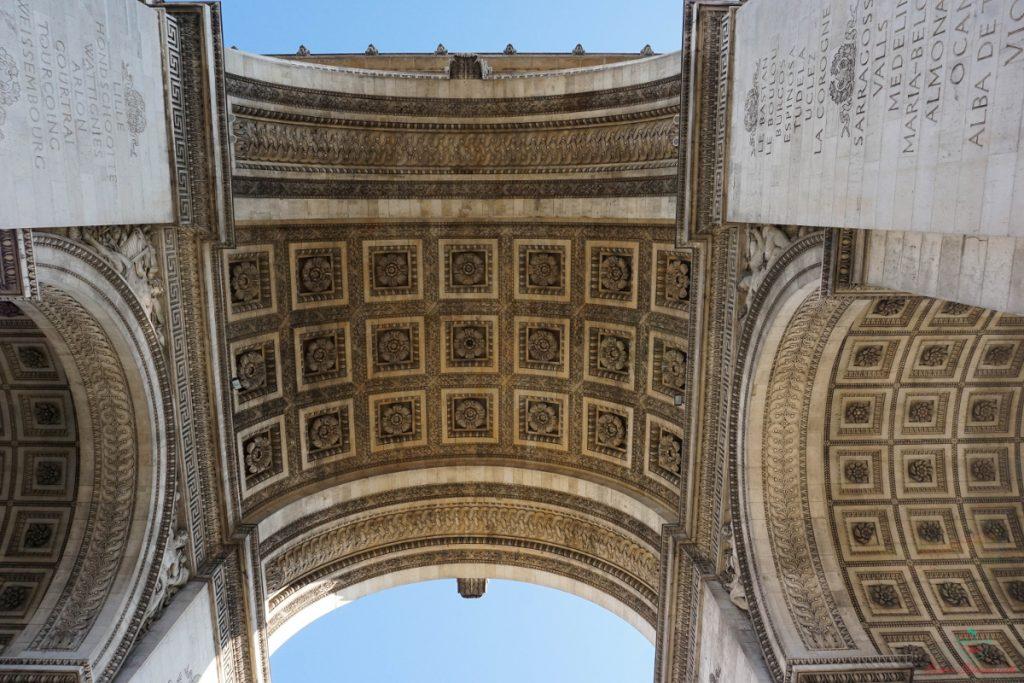 Dettagli dell'Arco di Trionfo a Parigi.