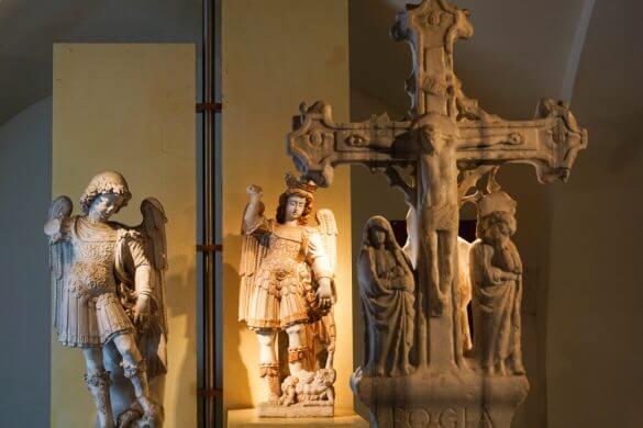 Statue di San Michele, Museo Civico.