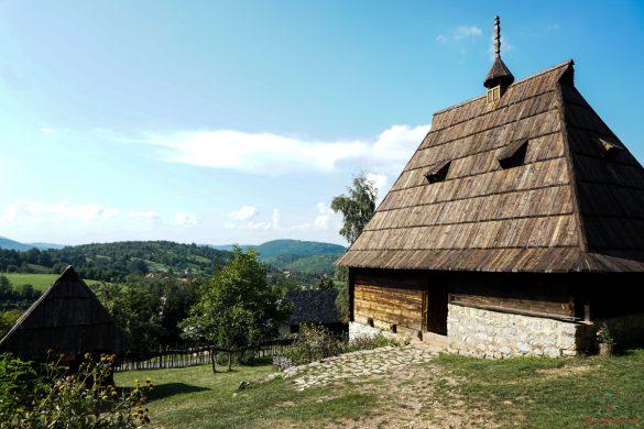 Cosa vedere a zlatibor: il villaggio di Sirogojno.