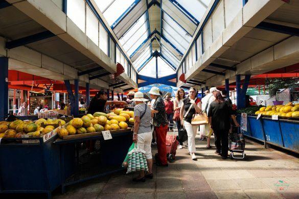 Interno del Mercato delle Donne di Sofia, uno dei mercati coperti più belli d'europa.