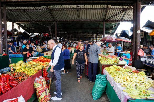 Interno del mercato di Niš, uno dei mercati coperti più belli d'europa.