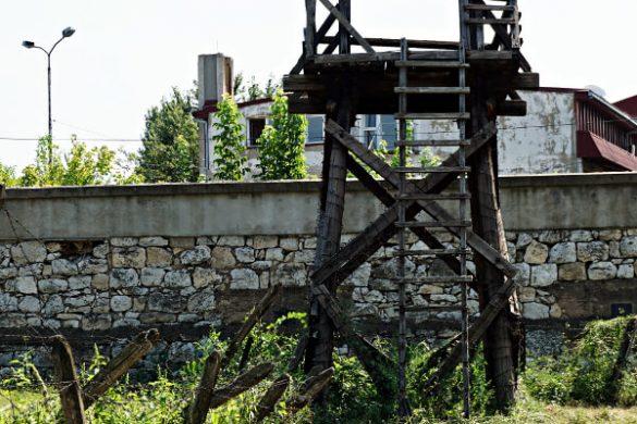 Torretta di guardia nel campo di concentramento di Niš.