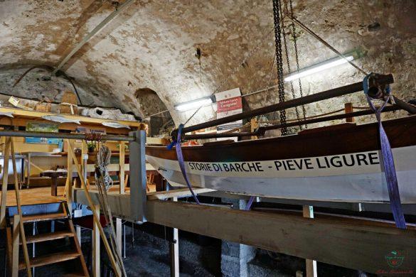 Nervi città in riviera: laboratorio salatura delle acciughe