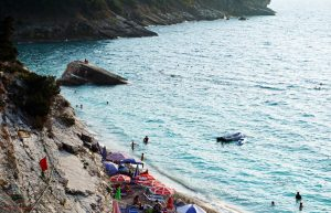 cosa vedere a saranda: pulebardha beach