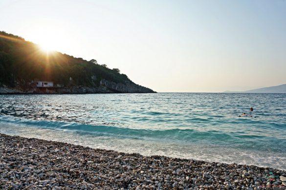 cosa vedere a saranda: plazhi i monastirit.