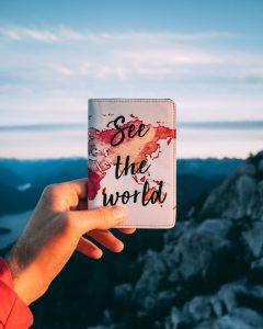 custodia per il passaporto: ottima idea regalo per chi ama viaggiare