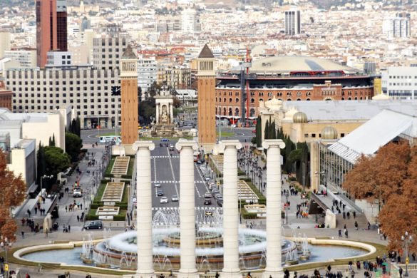 Panorama sulla Fontana Magica da Montjuic.