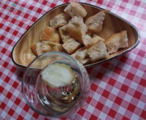 Il tipico aperitivo genovese: l'asinello.