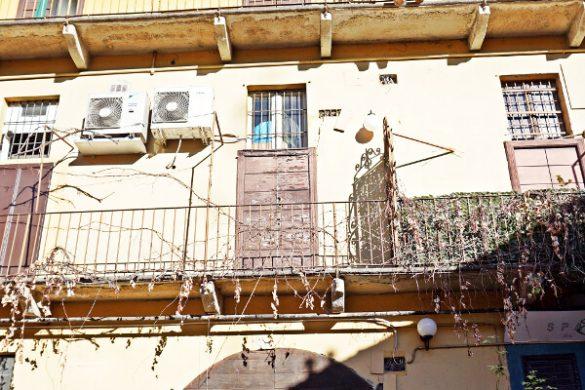 cortile degli artisti milano: case di ringhiera.