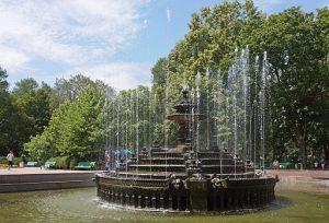 fontana nel giardino pubblico stefano il grande a chisinau